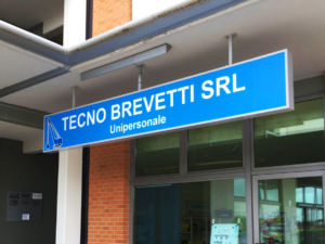Tecno Brevetti srl Insegna a cassonetto