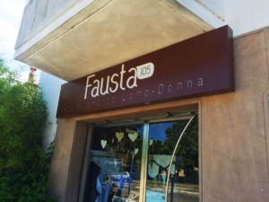 Fausta Insegna a cassonetto